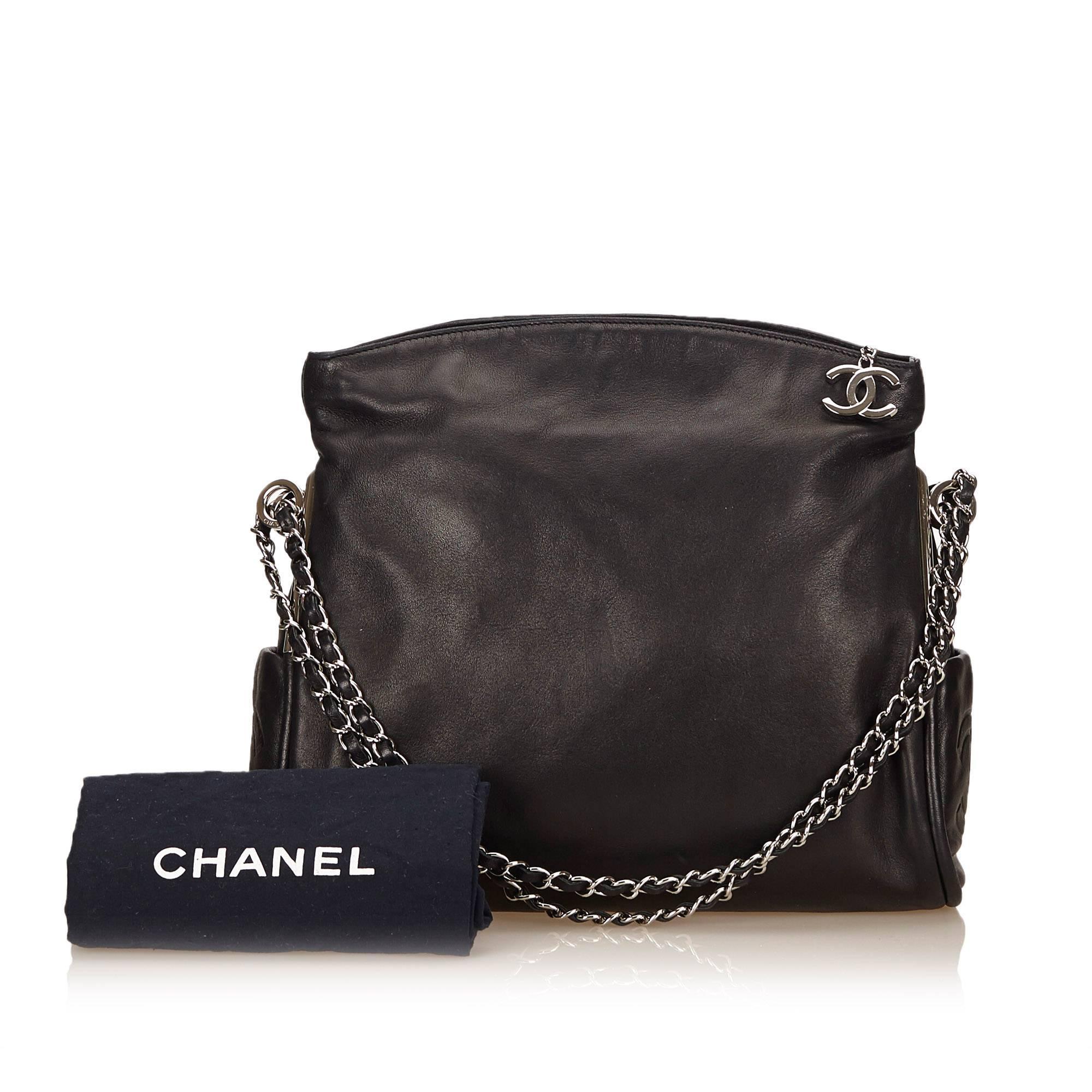 b23912f7e4c9 Chanel Black Lambskin Leather Fold Over Shoulder Bag For Sale at 1stdibs