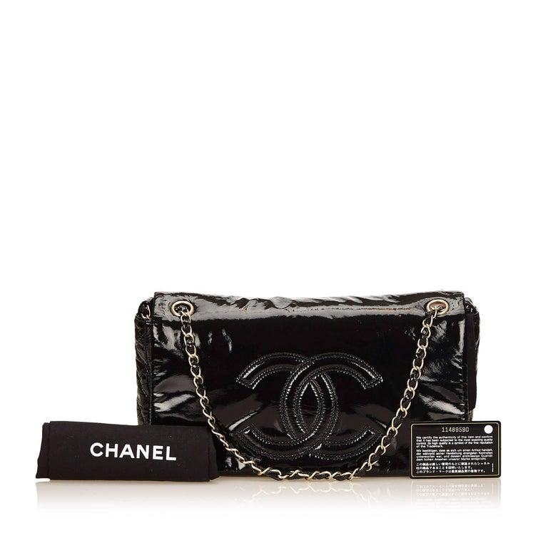"Chanel Black Patent Leather ""CC"" Logo Flap Shoulder Bag  For Sale 5"