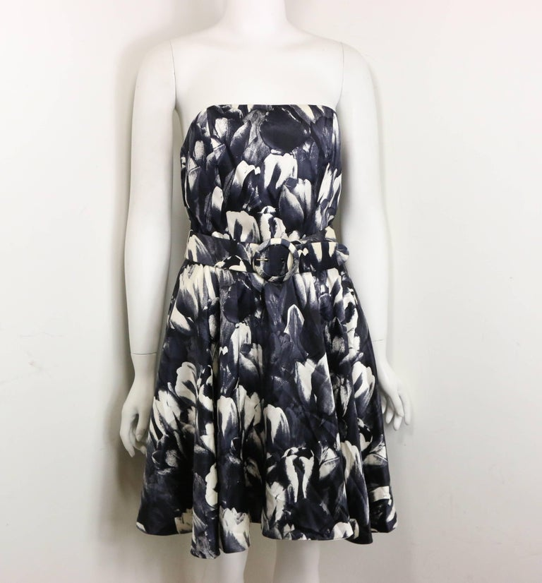 David Fielden Black and White Floral Print Tube Dress with Bolero Shrug Sleeves  In New Condition For Sale In Sheung Wan, HK
