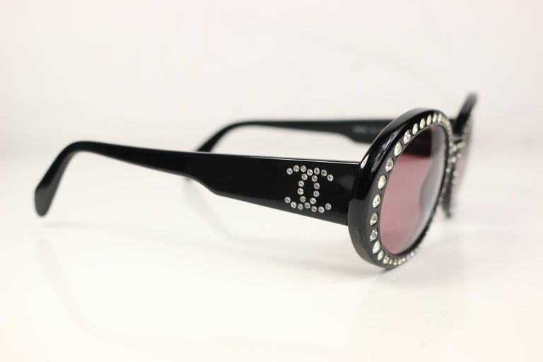 - Vintage 90s Chanel with clear graduated rhinestones oval frames sunglasses.   - Featuring rhinestones
