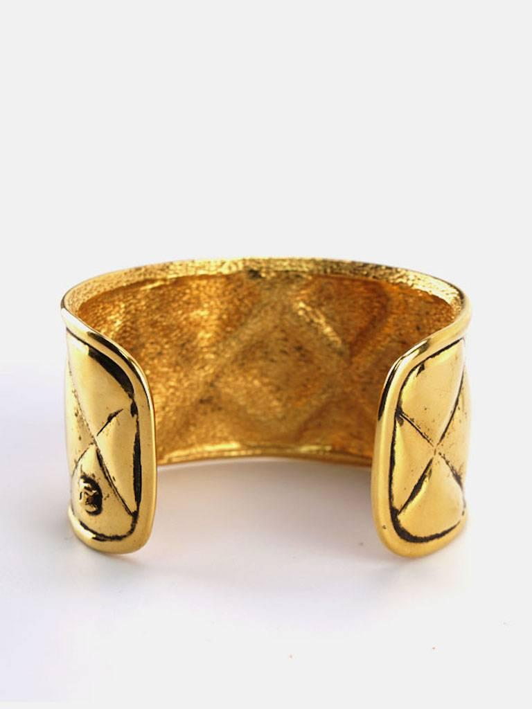 Chanel Gold Toned Plate Quilted Wild Cuff Bangle  In Excellent Condition For Sale In Sheung Wan, HK