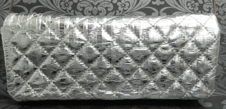 Chanel Silver Metallic Quilted Calf Skin Leather Flap Reissue Shoulder Bag In Excellent Condition For Sale In Sheung Wan, HK