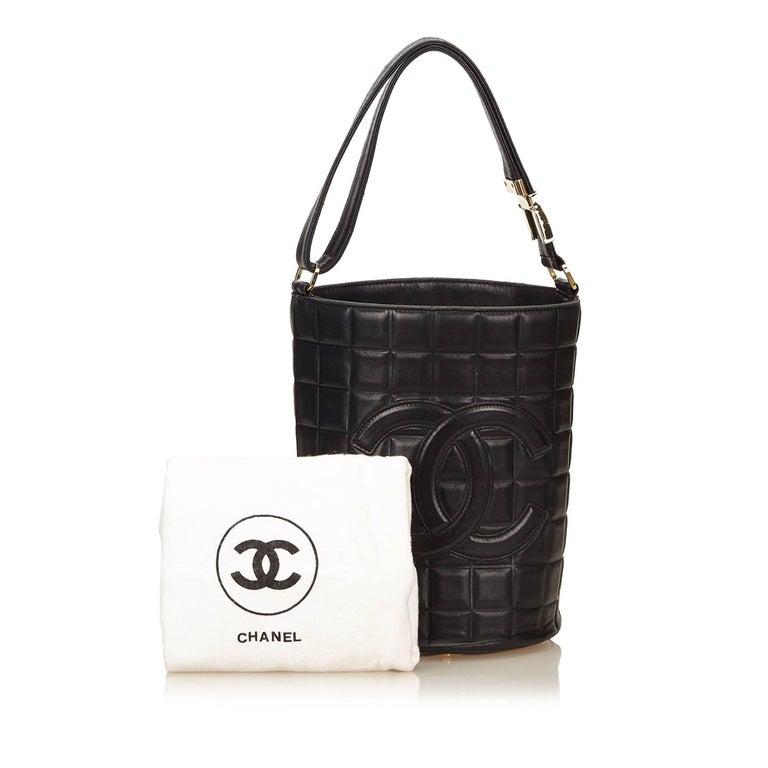 Chanel Black Leather Choco Bar Bucket Shoulder Bag For Sale 5