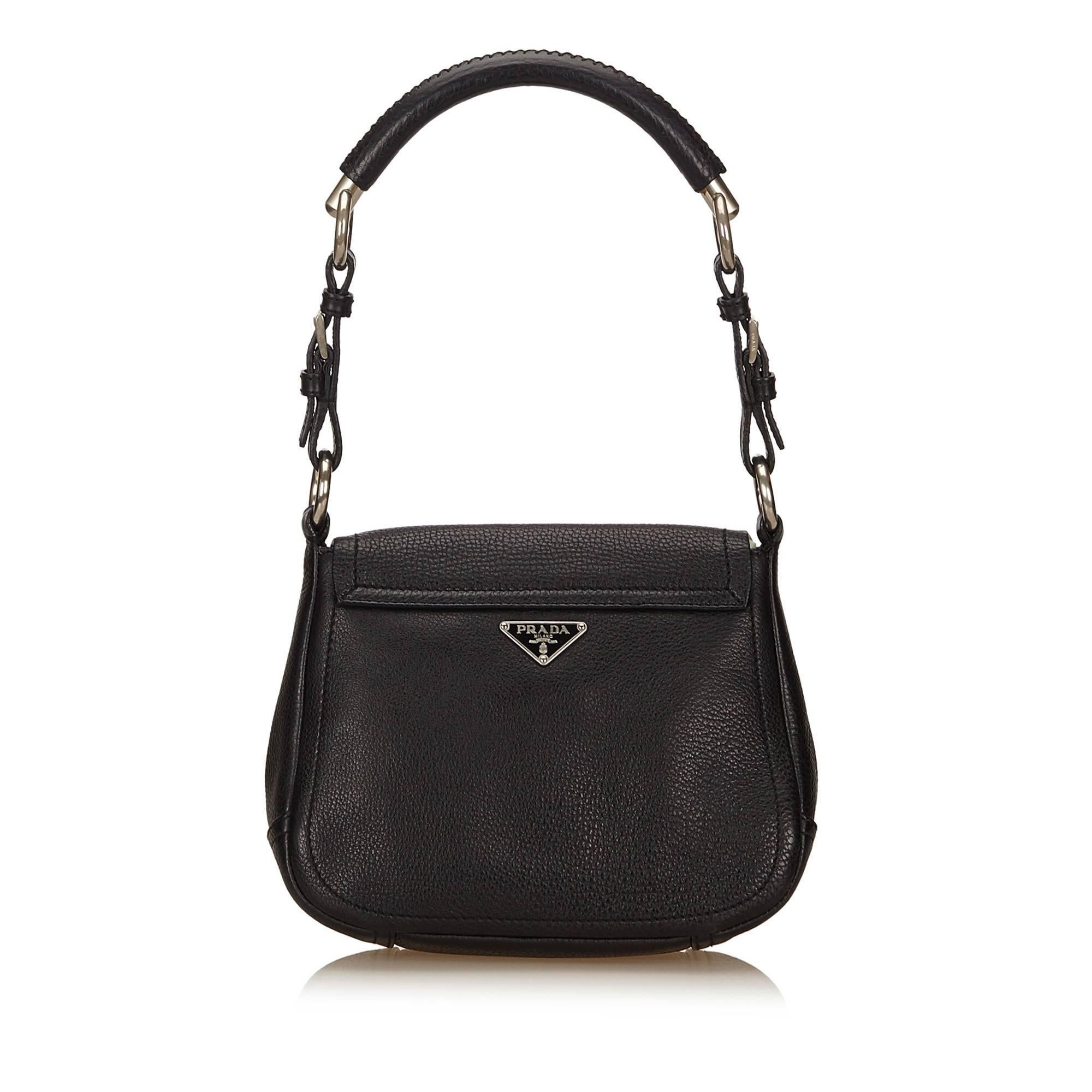 4f5c8eccfe85 Prada Black Leather Flap Shoulder Bag For Sale at 1stdibs