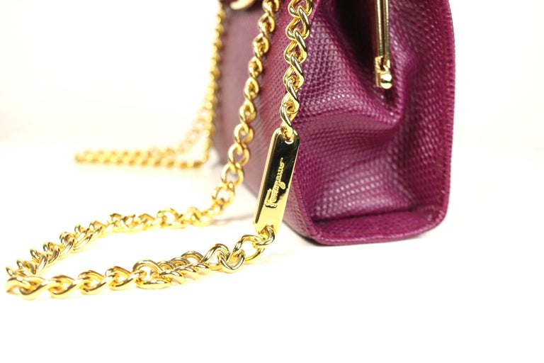 Salvatore Ferragamo Purple Lizard Skin Gold Chain Shoulder Bag In Excellent Condition For Sale In Sheung Wan, HK