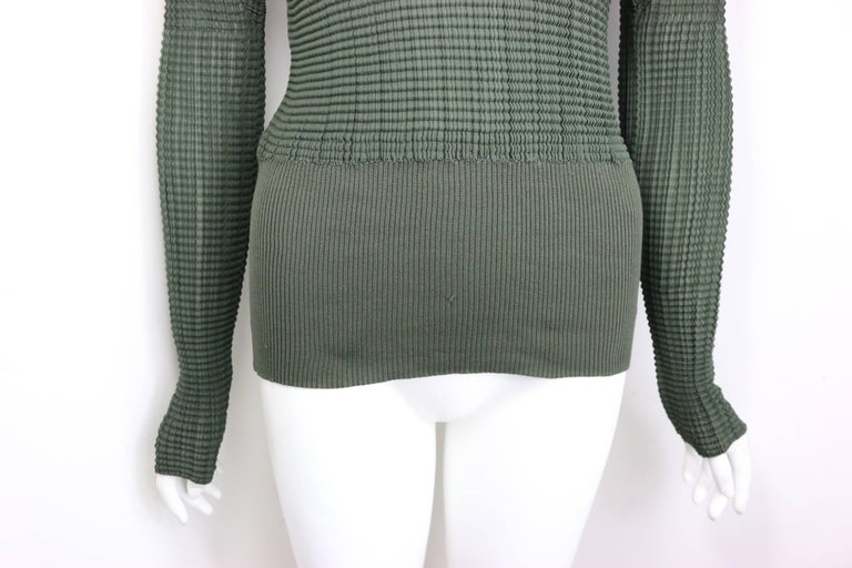 Black Issey Miyake Green Pleated V Neckline Collar Long Sleeves Top For Sale