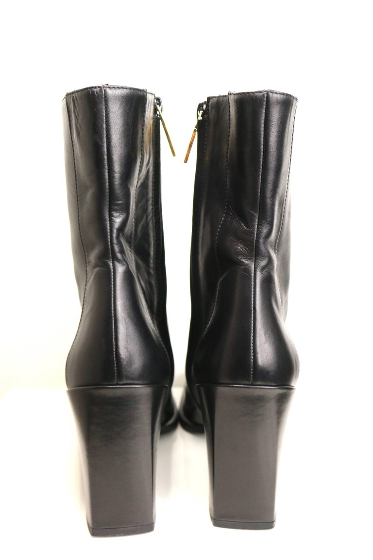 Vintage Gucci by Tom Ford Black Leather Ankle Boots In Excellent Condition For Sale In Sheung Wan, HK