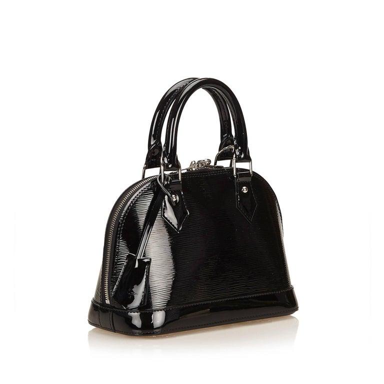 Louis Vuitton Black Epi Alma BB Shoulder Bag In Excellent Condition For Sale In Sheung Wan, HK