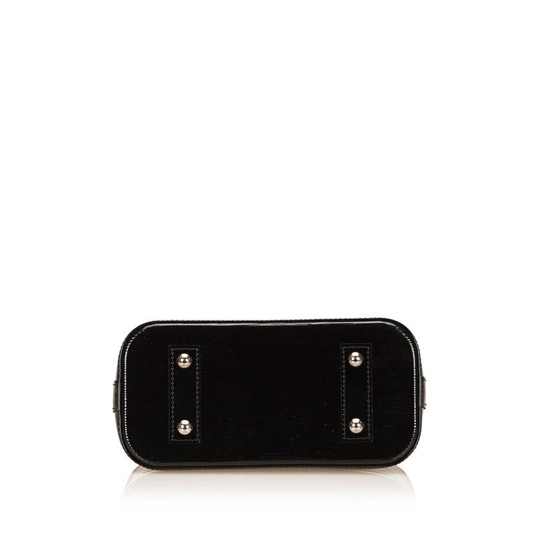 Louis Vuitton Black Epi Alma BB Shoulder Bag For Sale 1