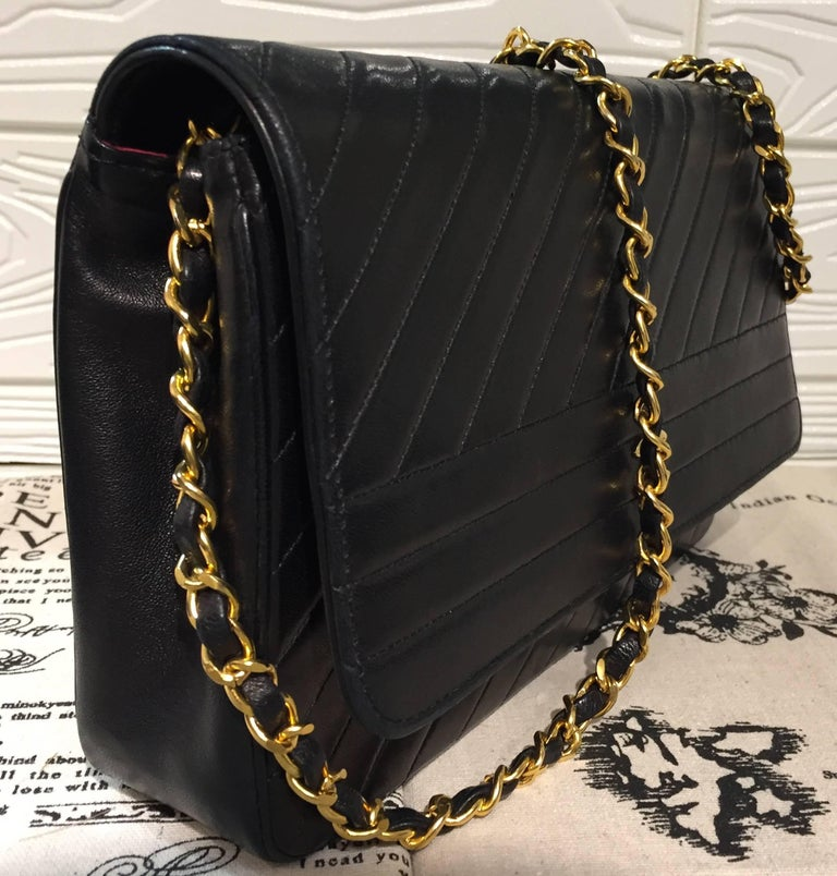 bc3eca440ecb Chanel Classic Black Lambskin Quilted Stripes Shoulder Bag In Excellent  Condition For Sale In Sheung Wan