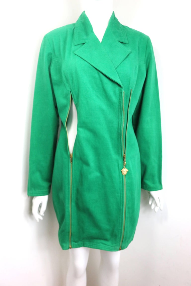90s Gianni Versace Jeans Couture Green Double Breasted Long Zip Jacket  In Excellent Condition For Sale In Sheung Wan, HK