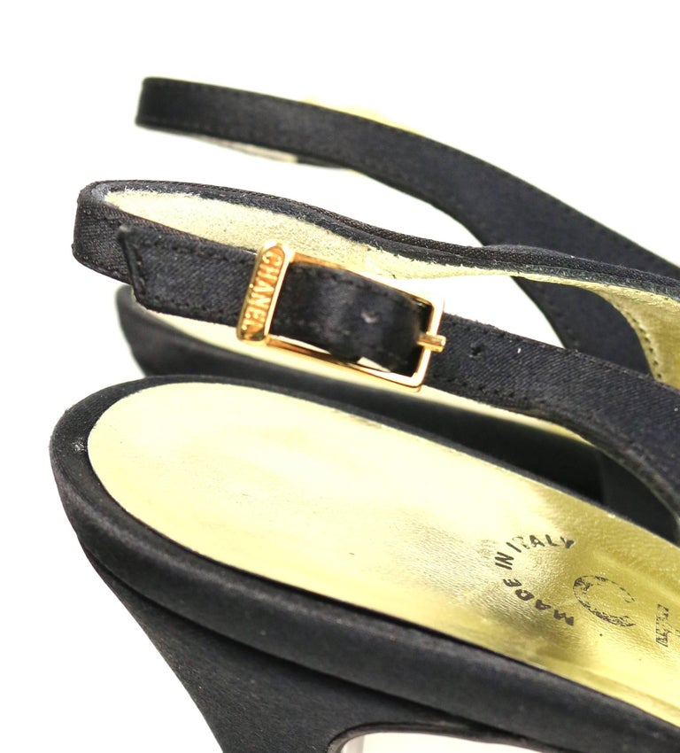 Chanel Black Silk Camellia Slingback Heels  In Excellent Condition For Sale In Sheung Wan, HK