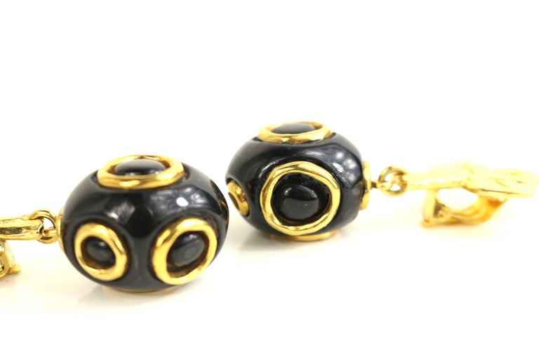 Christian Lacroix Black and Gold-Toned Hardware Clover Clip On Earrings  For Sale 1