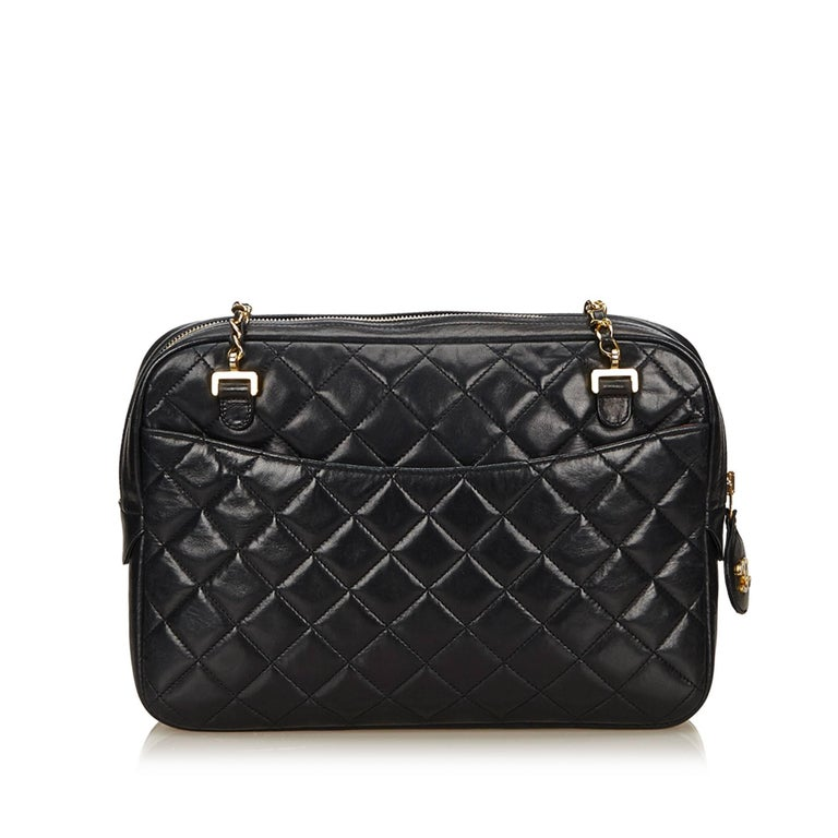 Chanel Black Quilted Matelasse Lambskin Shoulder Bag In Excellent Condition  For Sale In Sheung Wan, ecb186fd34