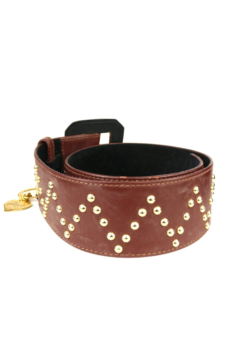 Yves Saint Laurent Brown Leather Gold Toned Studs with Gold Heart Charm Belt  In Excellent Condition For Sale In Sheung Wan, HK
