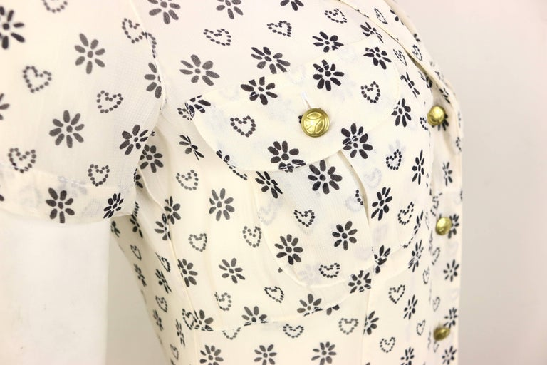 Beige Moschino Jeans White Short Sleeves Shirt with Black Sunflower and Heart Prints For Sale