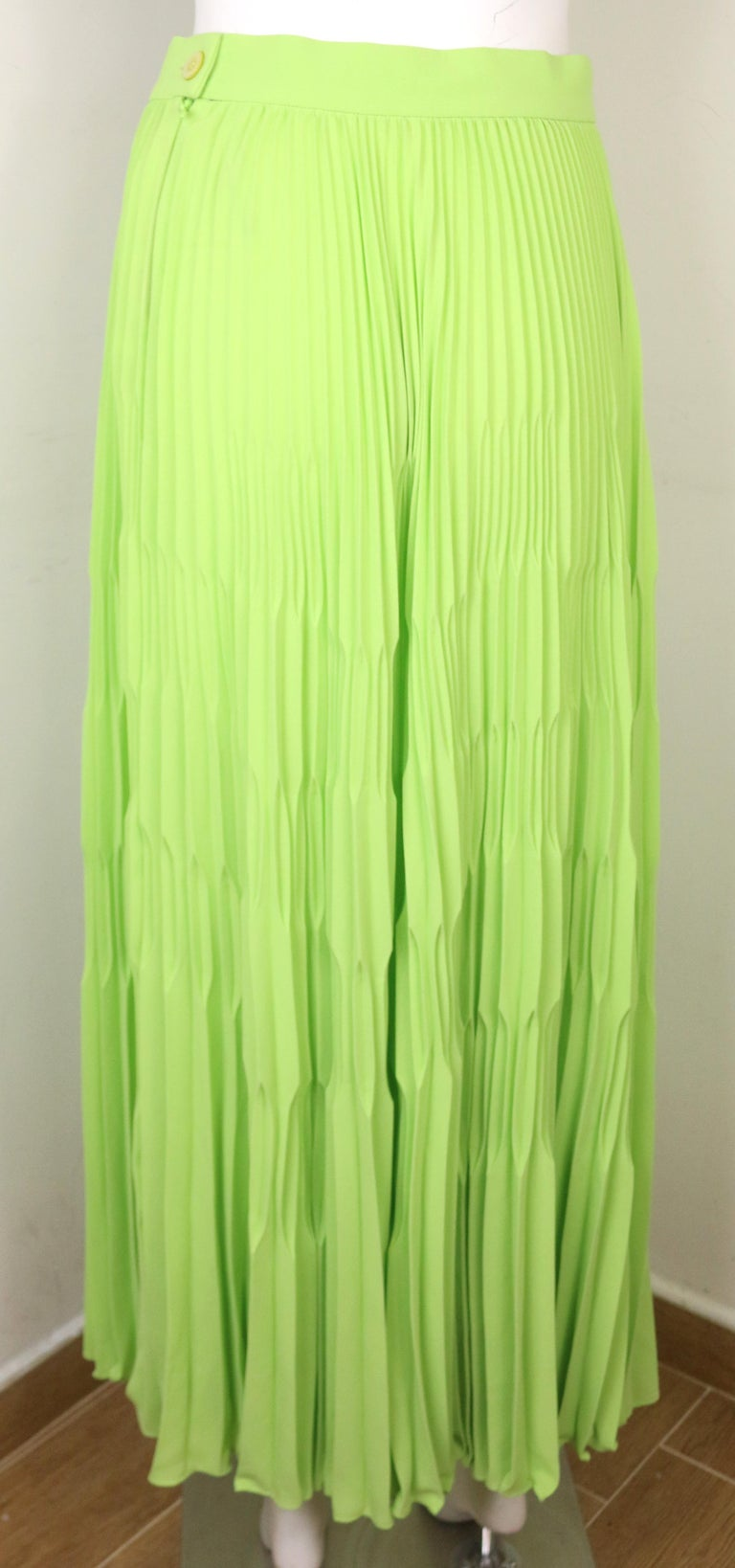 Escada Green Polyester Pleated Long Skirt  In New Condition For Sale In Sheung Wan, HK