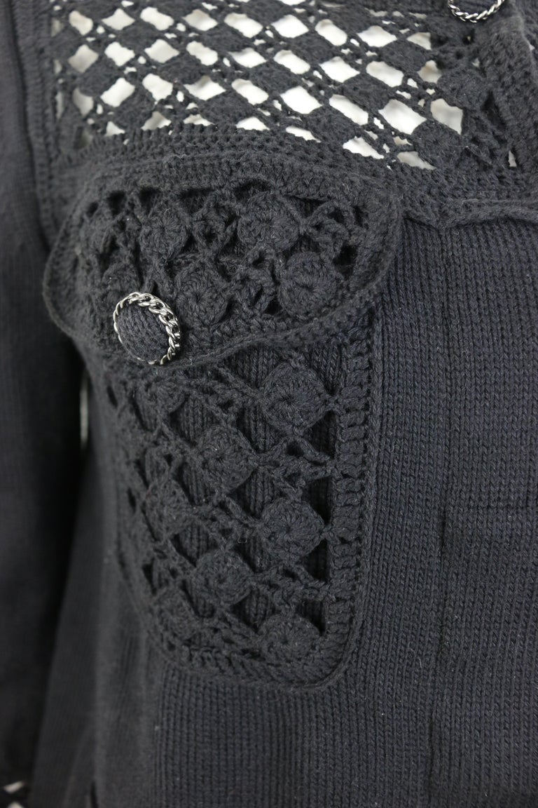 Chanel Black Cotton Pattern Knitted 3/4 Sleeves Length Cardigan  In Excellent Condition For Sale In Sheung Wan, HK