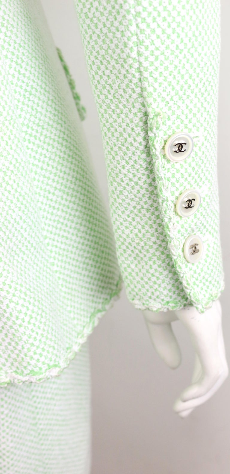 Women's Chanel White/Green Cotton and Wool Double-Breasted Jacket and Skirt Ensemble  For Sale