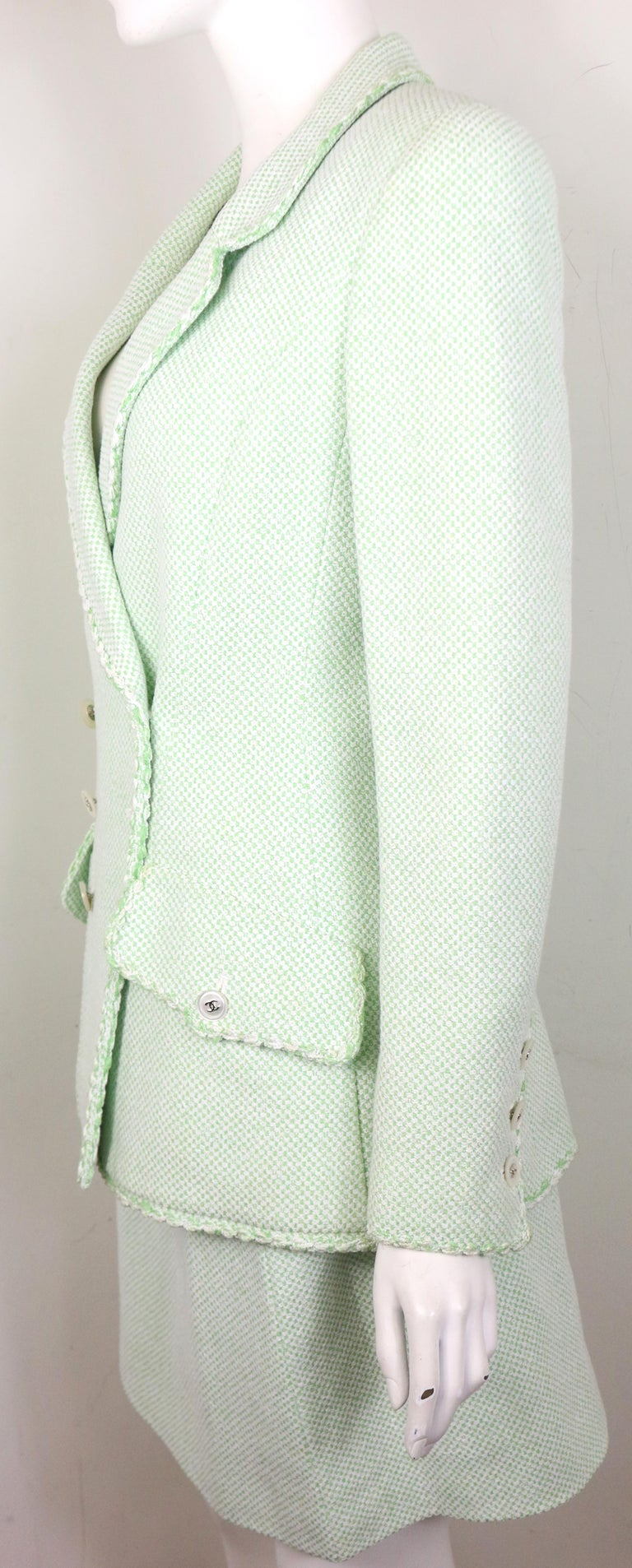 Chanel White/Green Cotton and Wool Double-Breasted Jacket and Skirt Ensemble  For Sale 1