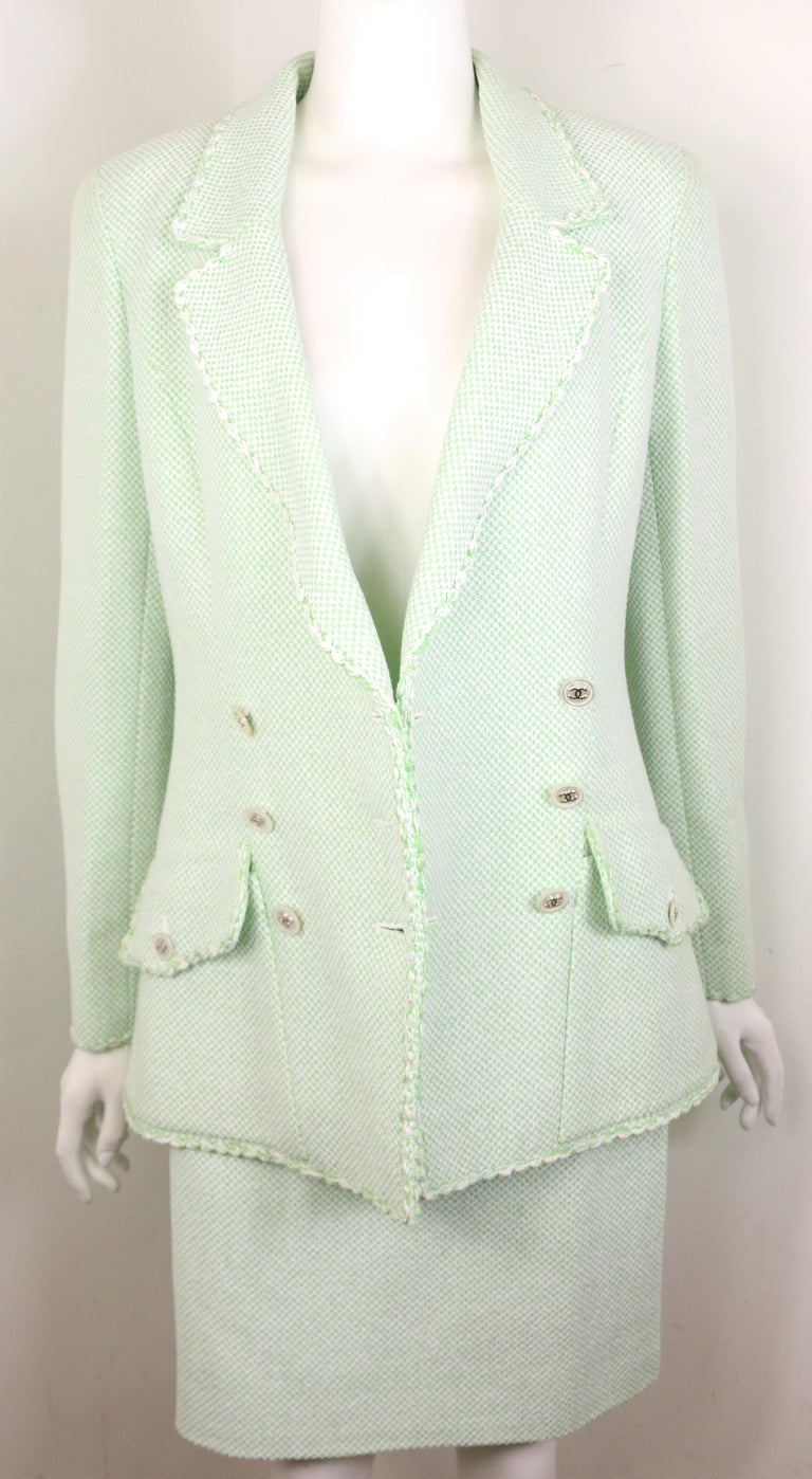 Chanel White/Green Cotton and Wool Double-Breasted Jacket and Skirt Ensemble  For Sale 2