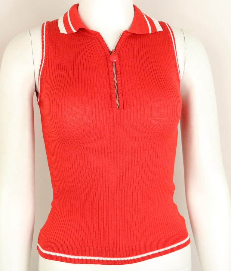 Gianni Versace Couture Red and White Knitted Sleeveless Top and Cardigan Twinset For Sale 1