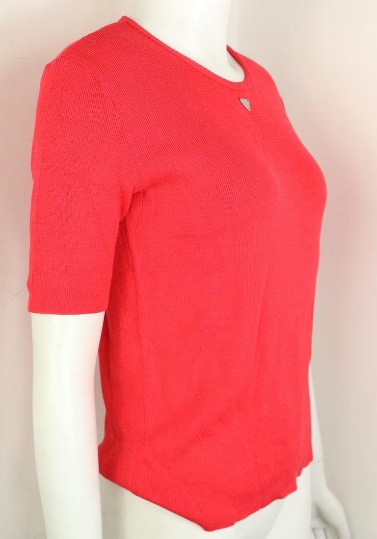 Chanel Red Knitted Cotton Top  In Excellent Condition For Sale In Sheung Wan, HK