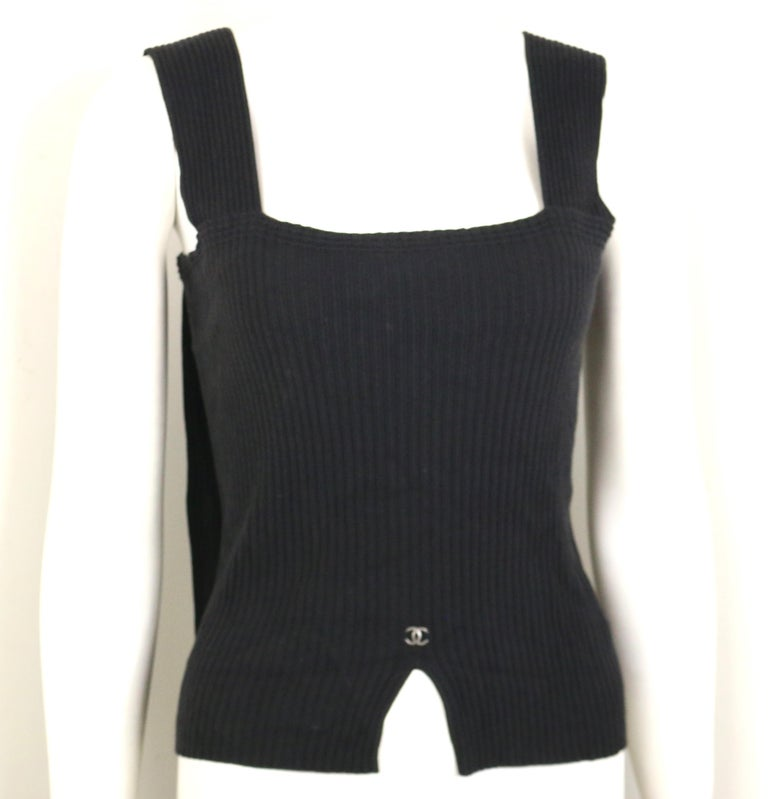 Chanel Black Knitted Cotton and Rayon Sleeveless Top In Excellent Condition For Sale In Sheung Wan, HK