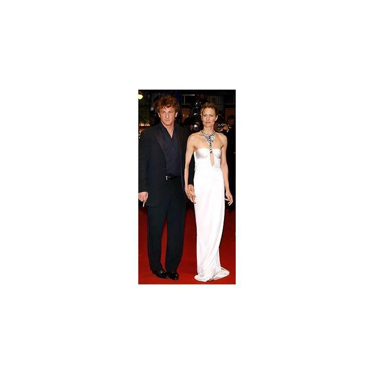 Robin Wright Penn's Heavenly Tom Ford Gucci FW 2004 Collection White Gown! IT 38 6