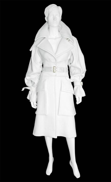 The Most Heavenly Tom Ford Gucci FW2003 White Cashmere Runway Coat ...