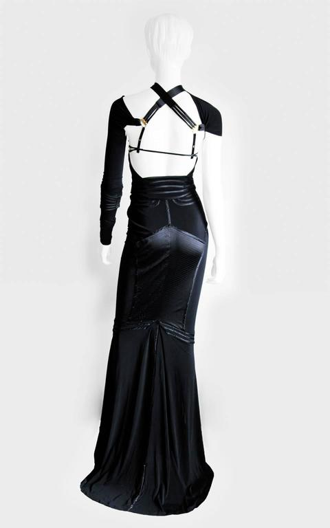 Incredibly Rare & Iconic Tom Ford Gucci FW 2003 Black Silk Corseted Runway Gown 3