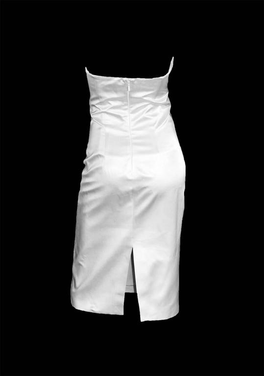 That Iconic Tom Ford Gucci SS 2001 White Silk Corset Runway Dress In Italian 44! 3
