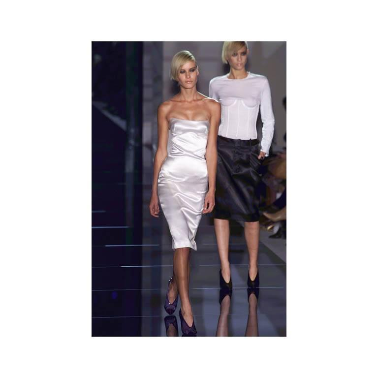 That Iconic Tom Ford Gucci SS 2001 White Silk Corset Runway Dress In Italian 44! 5
