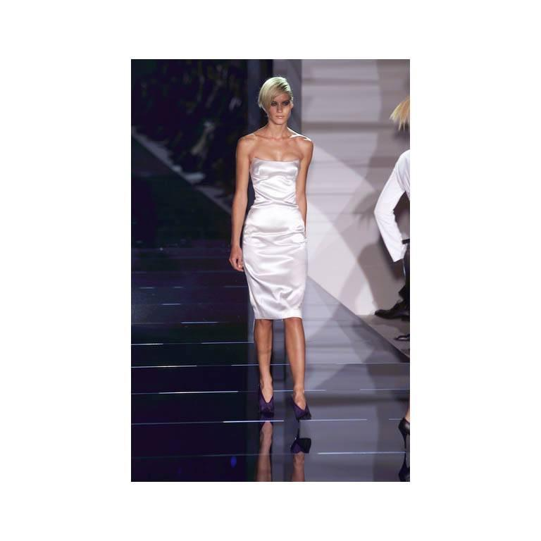 That Iconic Tom Ford Gucci SS 2001 White Silk Corset Runway Dress In Italian 44! 6