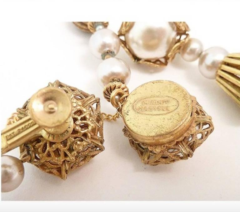 Vintage Signed Miriam Haskell Faux Pearl Bracelet & Earrings In Excellent Condition For Sale In New York, NY