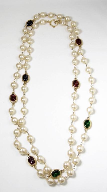 LONG Vintage 80s Signed Chanel Gripoix Glass & Faux Pearl Necklace Sautoir 3