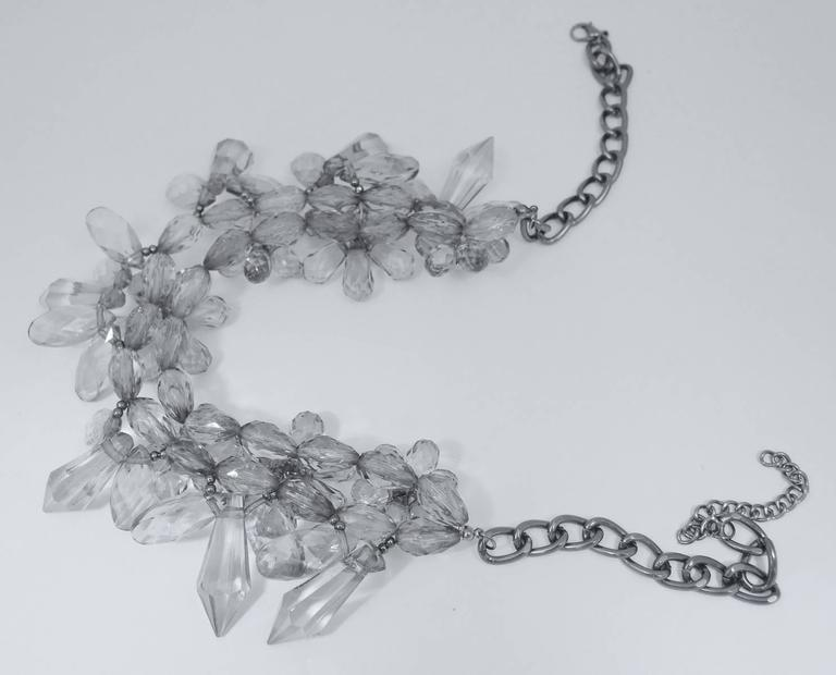 Vintage 1970s Clear Lucite Flower Wire Necklace 4
