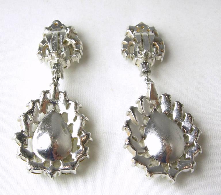 Vintage 1950s Trifari Crystal Drop Earrings 3