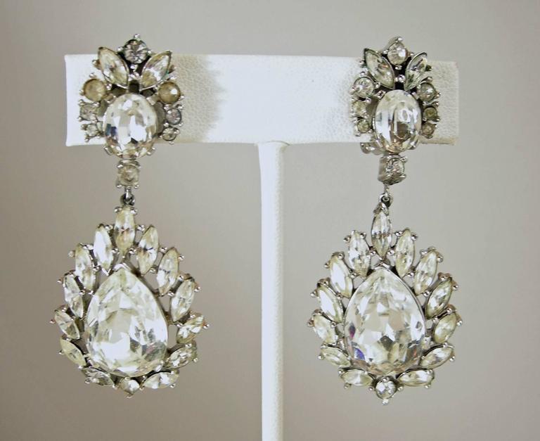 Vintage 1950s Trifari Crystal Drop Earrings 2