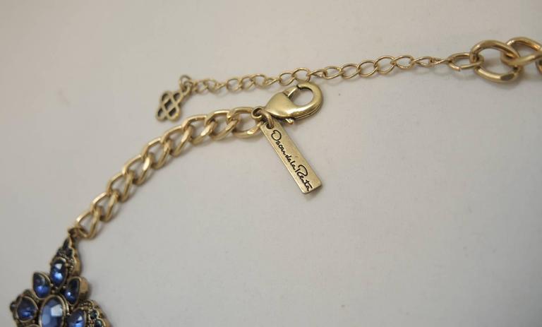 Signed Oscar De La Renta Blue Snowflake Rhinestone Necklace In Excellent Condition For Sale In New York, NY