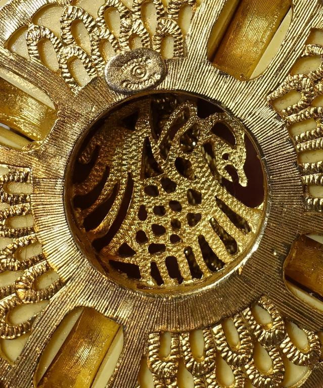 Hattie Carnegie 1960s Faux Ivory Oriental Theme Necklace 3
