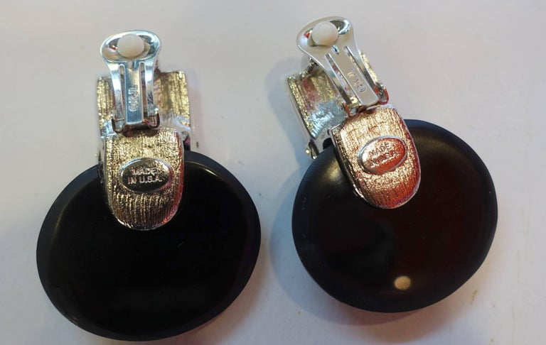 Signed Kenneth Jay Lane KJL Faux Onyx and Crystal Drop Earrings In Excellent Condition For Sale In New York, NY