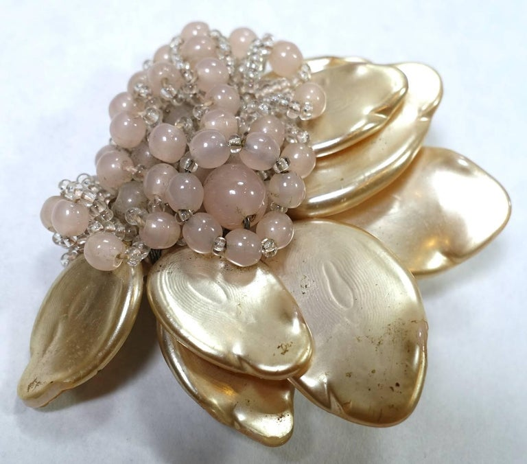 Miriam Haskell Early 1930s Vintage Floral Design Fur Clip Brooch In Excellent Condition For Sale In New York, NY