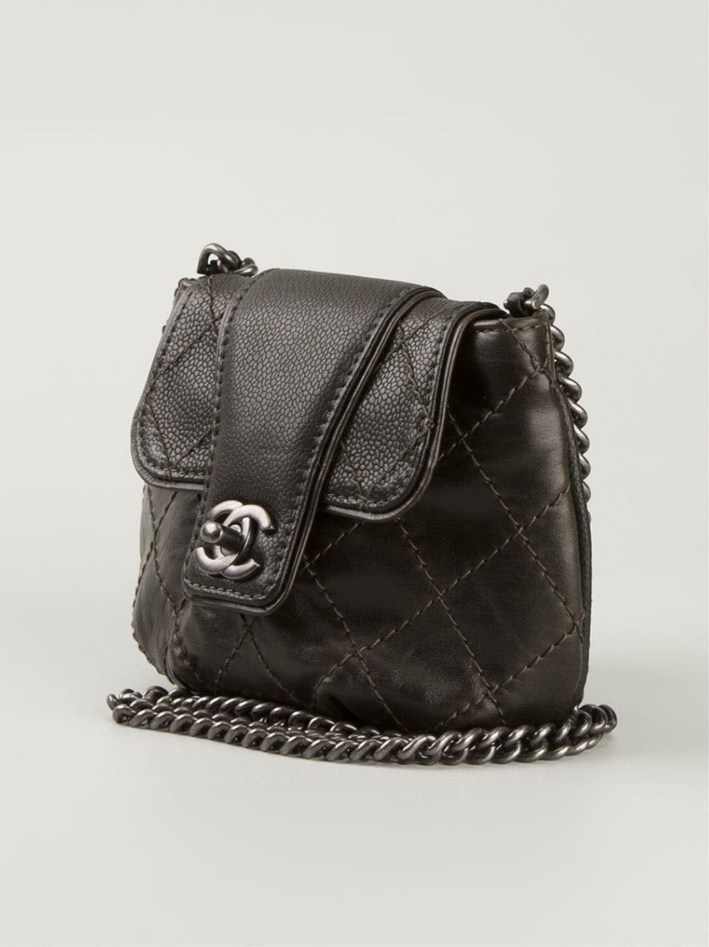 chanel quilted crossbody bag at 1stdibs