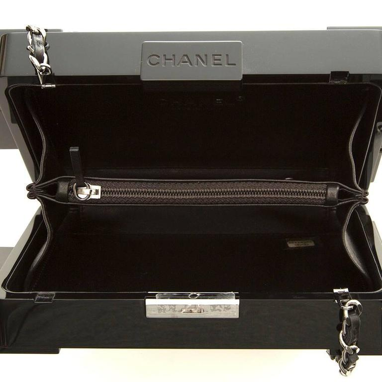 Chanel Runway Op-art Lego Boy Bag In Excellent Condition For Sale In London, GB
