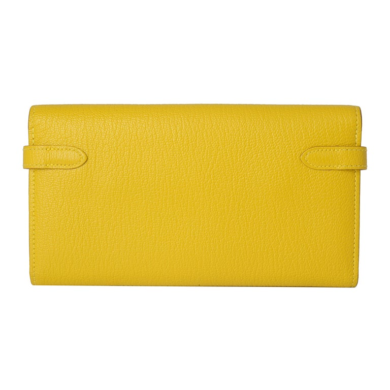 Hermes Kelly Cumin Yellow Wallet In Excellent Condition For Sale In London, GB