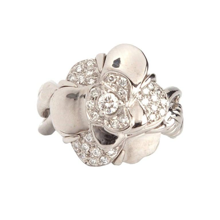Chanel Vintage 18k White Gold Diamond Cocktail Ring For Sale