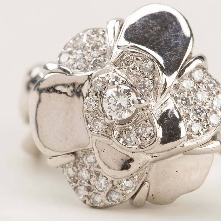 Women's Chanel Vintage 18k White Gold Diamond Cocktail Ring For Sale