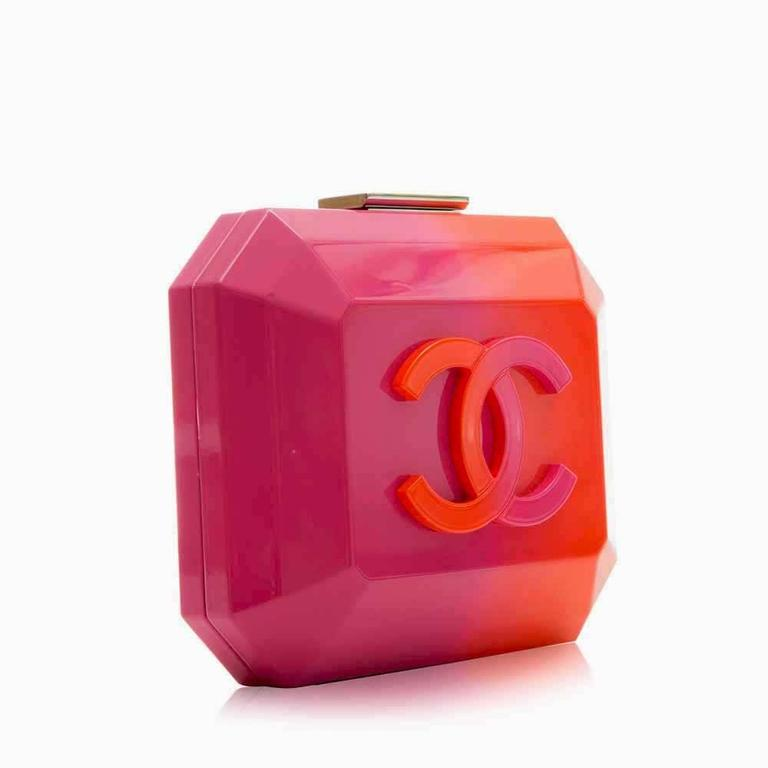5a16cedca3b8a1 This Chanel item perfectly colour blocks pink and orange making it a  fashion standout. The