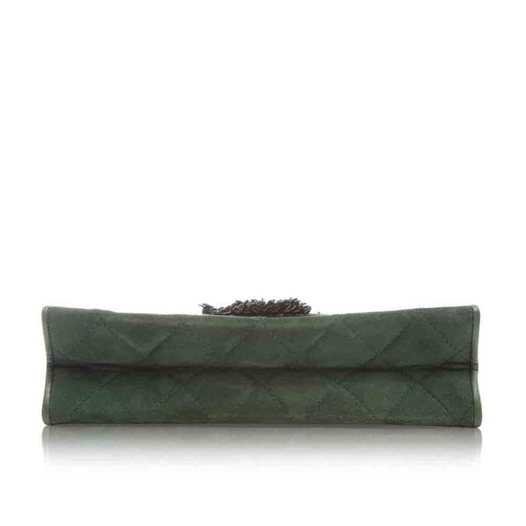 Chanel Green Suede Tassel Clutch In Excellent Condition For Sale In London, GB